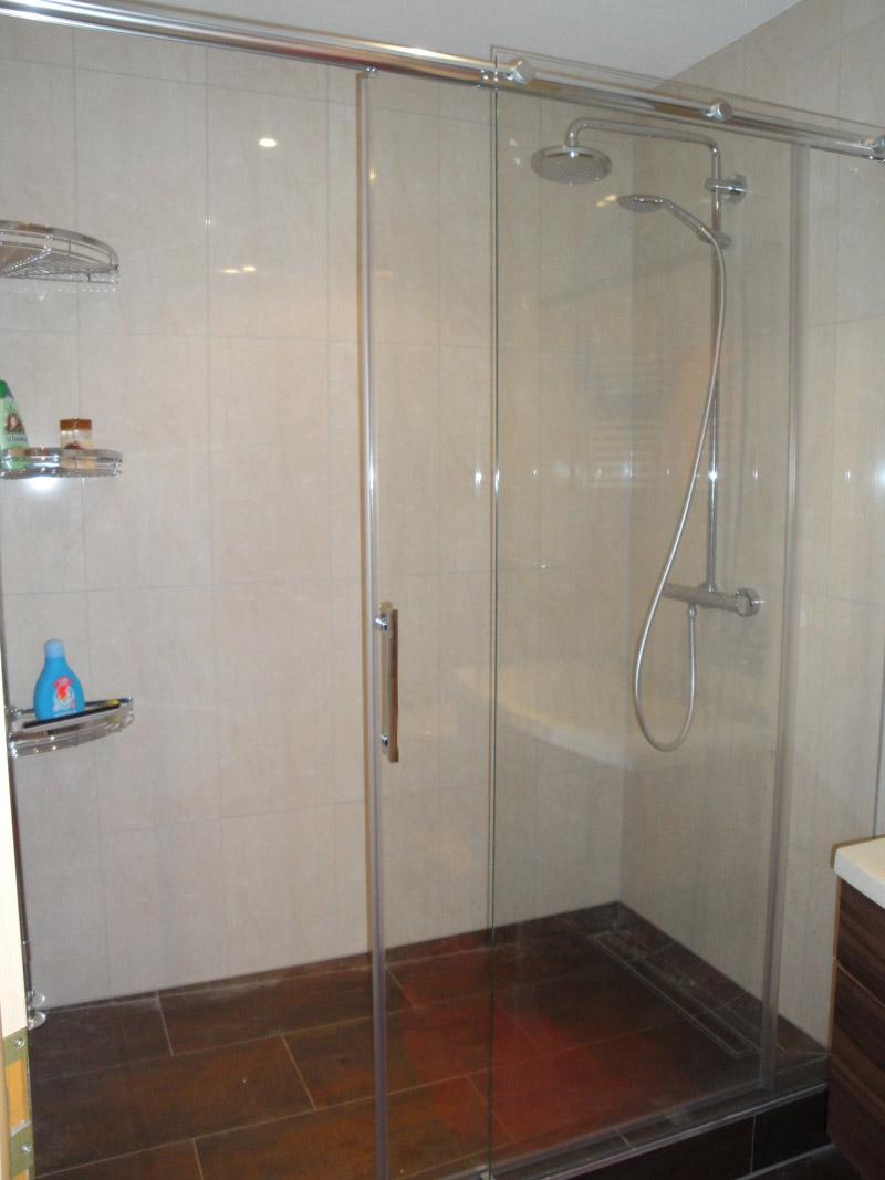 dusche umbauen wanne zu dusche umgestalten ideen wanne zu dusche umgestalten ideen die wanne. Black Bedroom Furniture Sets. Home Design Ideas